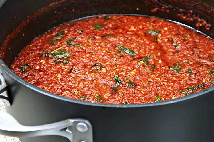 How To Make Homemade Pasta Sauce  Classic heirloom tomato sauce Recipe
