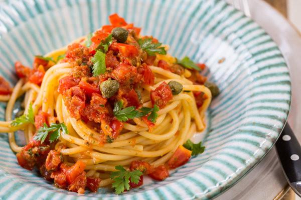 How To Make Spaghetti Sauce With Tomato Sauce  Spaghetti with No Cook Tomato Sauce
