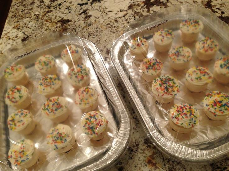 How To Transport Cupcakes  How to transport cupcake icecream cones Roaster pan