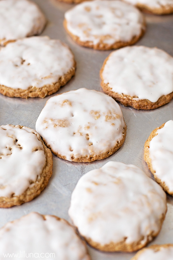 Iced Oatmeal Cookies  Old Fashioned Iced Oatmeal Cookies