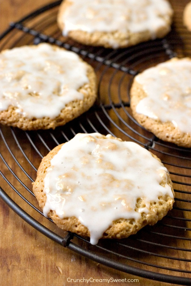 Iced Oatmeal Cookies  Old Fashioned Iced Oatmeal Cookies Crunchy Creamy Sweet