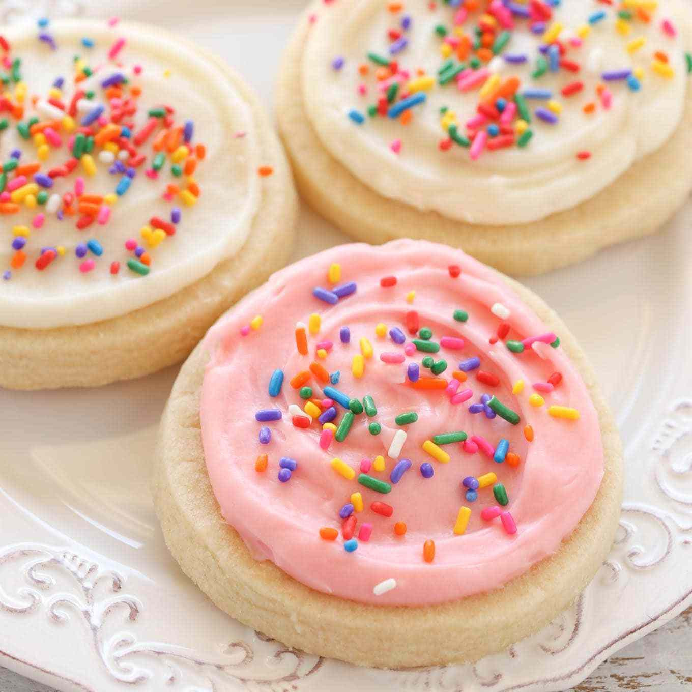 Icing Recipe For Sugar Cookies  Soft Cut Out Sugar Cookies with Cream Cheese Frosting
