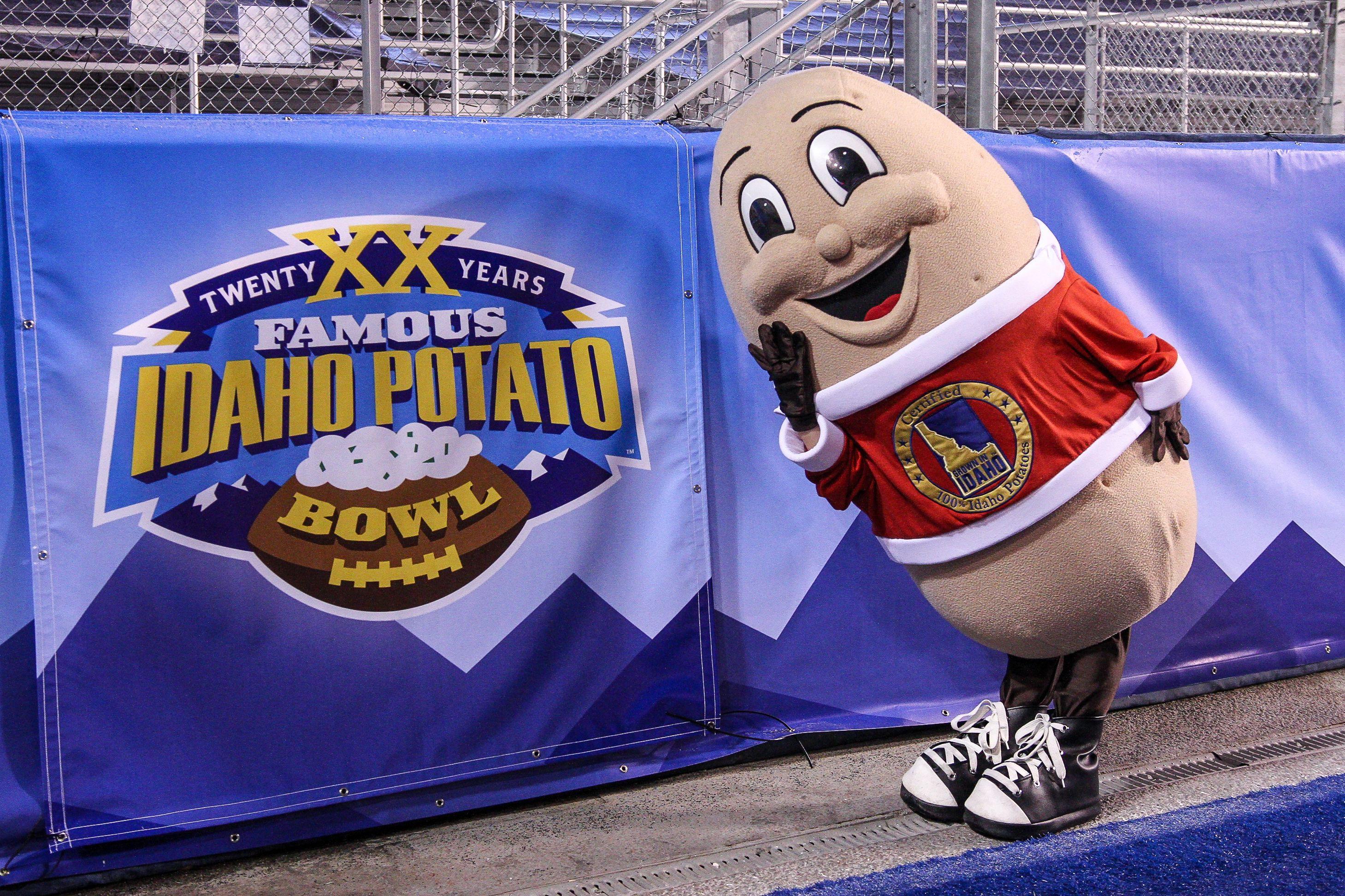 Idaho Potato Bowl  Wyoming Football 5 predictions vs CMU in Famous Idaho