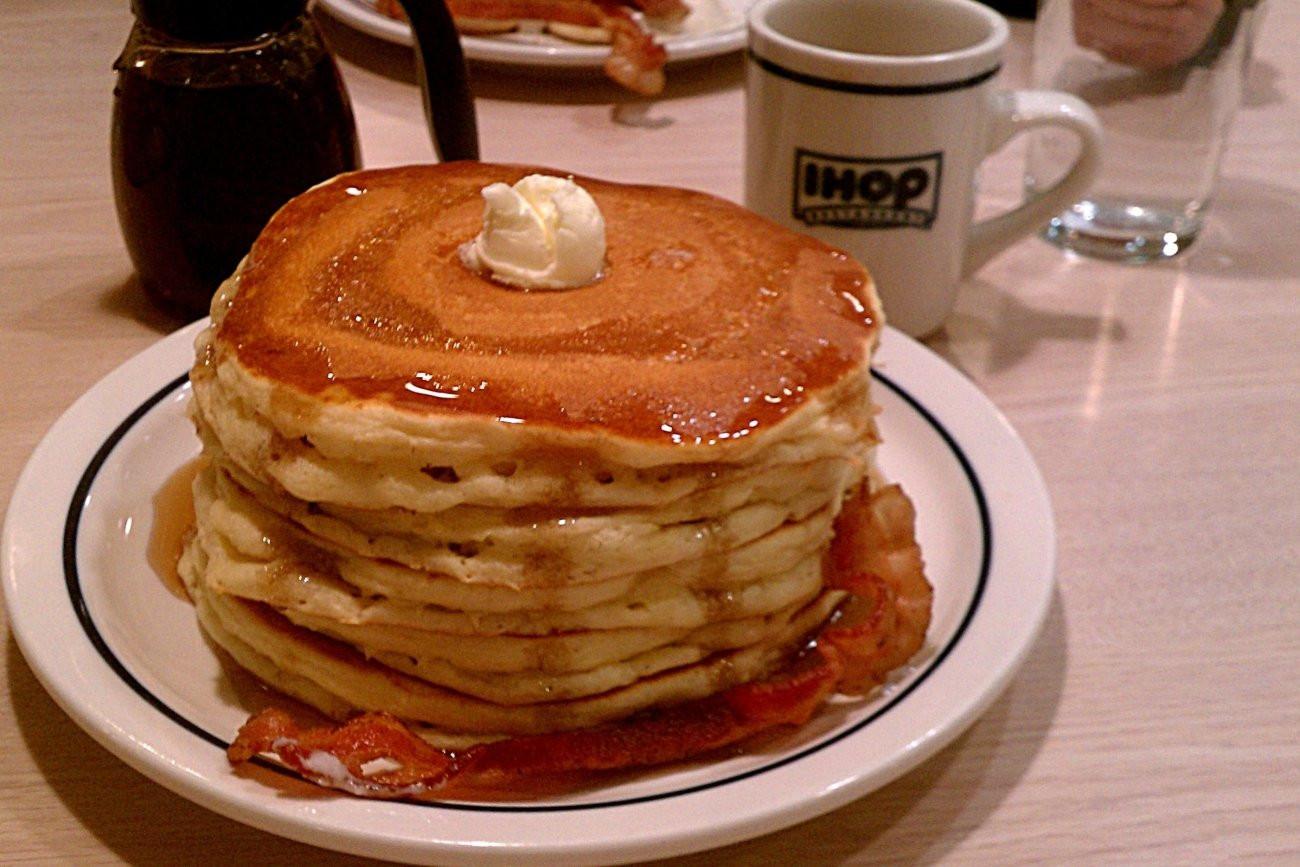 Ihop Free Pancakes  IHOP Is Giving Away Free Pancakes for National Pancake Day