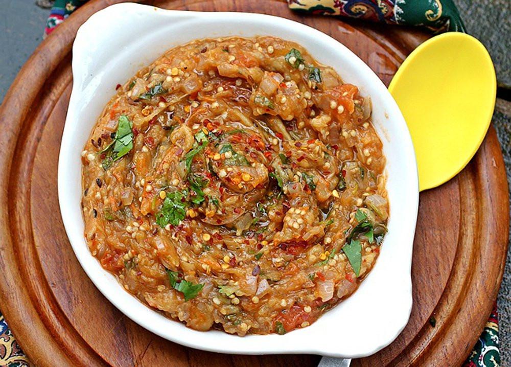 Indian Eggplant Recipes  Baigan Bharta Indian Char Roasted Eggplant Dip [Vegan