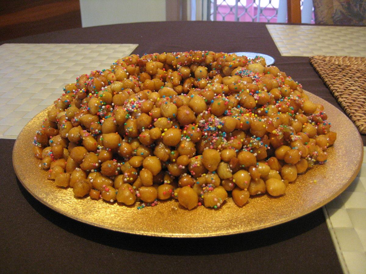 Italian Christmas Desserts  Italian Christmas Recipe Struffoli