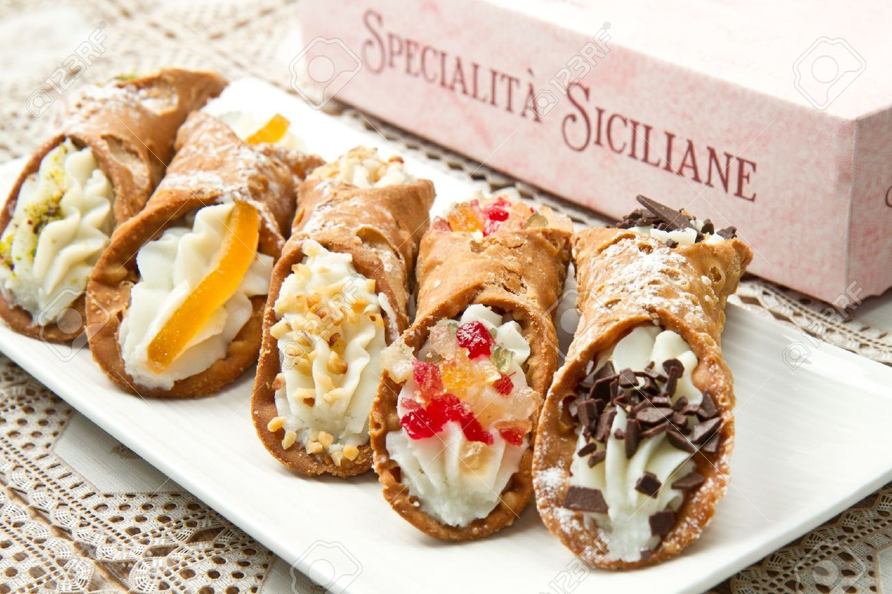 Italian Desserts Cannoli  How to Make Delicious Sicilian Cannoli's