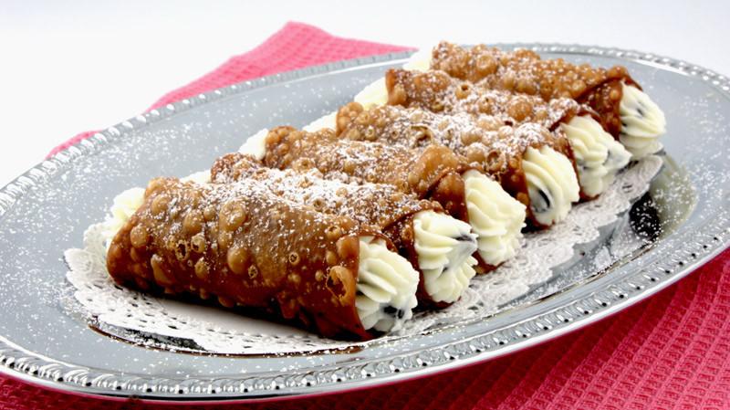 Italian Desserts Cannoli  Tourism