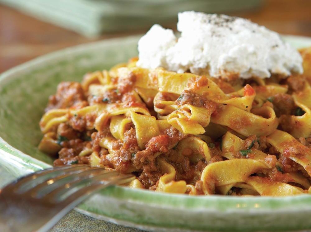 Italian Food Recipes With Pictures  Gigi Tagliatelle Bolognese