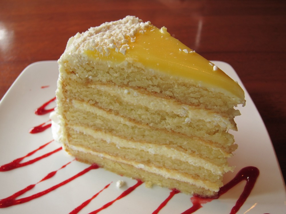 Italian Lemon Cream Cake  Review Claim Jumper Italian Lemon Cake
