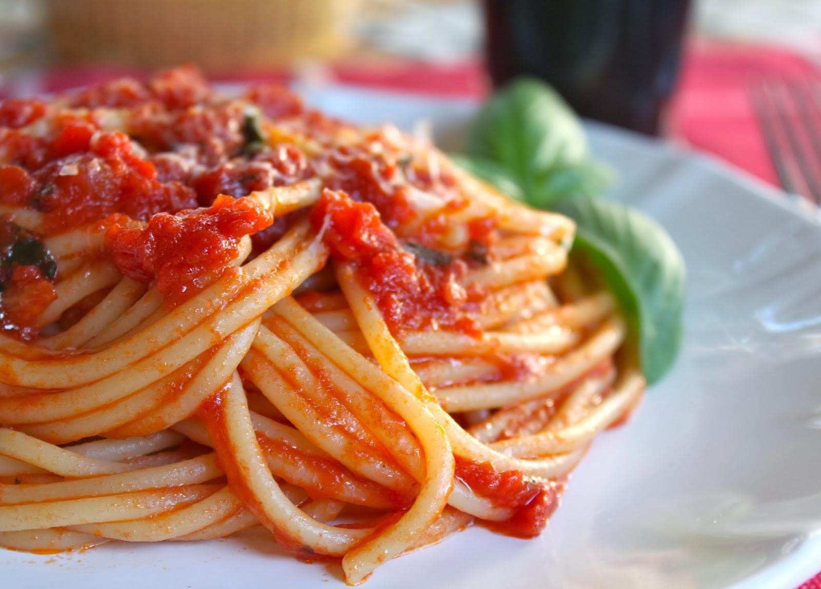 Italian Spaghetti Sauce  Authentic Quick Italian Tomato Sauce for Pasta