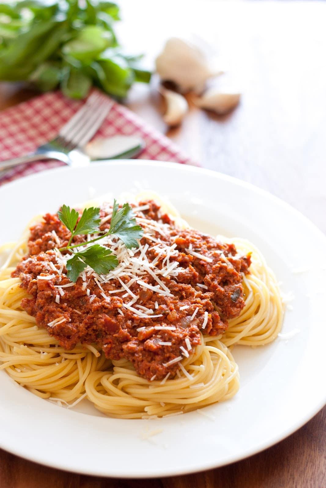Italian Spaghetti Sauce  Spaghetti with Meat Sauce Authentic Italian Style