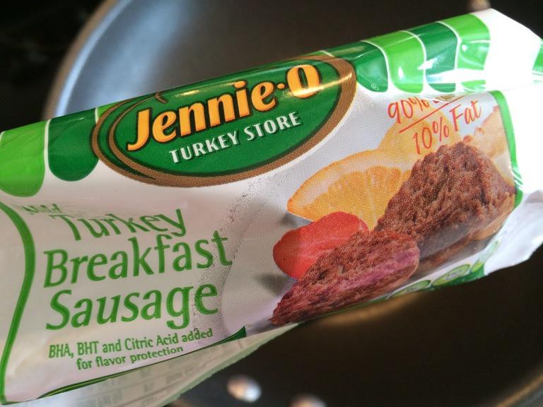 Jennie O Turkey Sausage  Egg Cups with Jennie O Turkey Breakfast Sausage