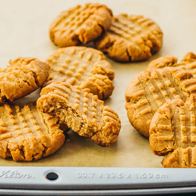 Keto Cookies Peanut Butter  Keto Peanut Butter Cookies with Almond Flour or Coconut Flour
