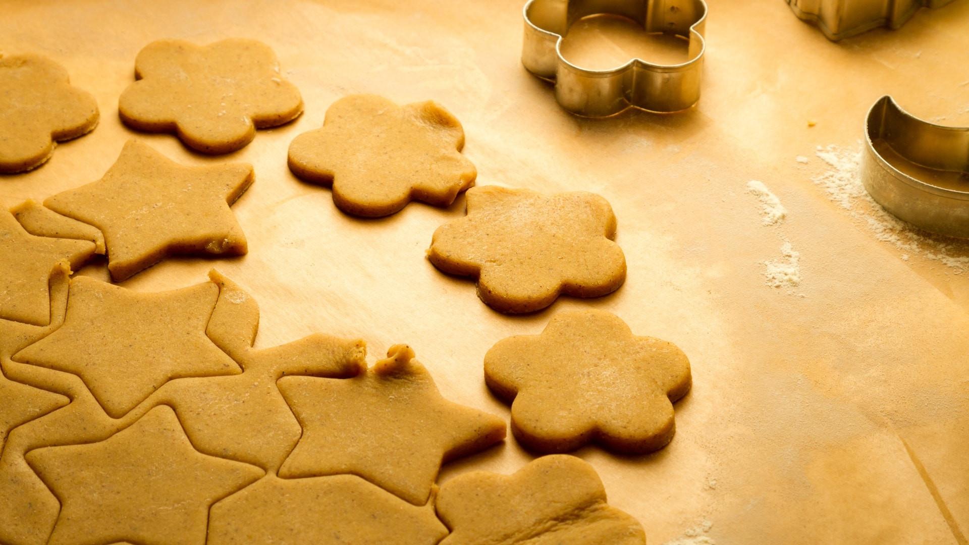 Keto Gingerbread Cookies  Harlan Kilstein s pletely Keto Gingerbread Cookies