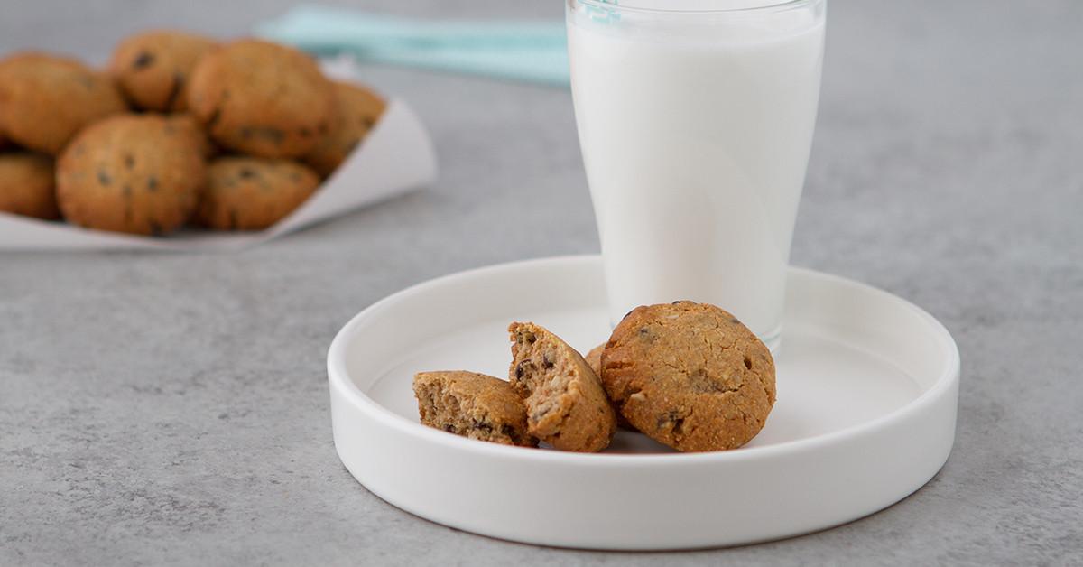 Keto Oatmeal Cookies  Keto Oatmeal Chocolate Chip Cookies
