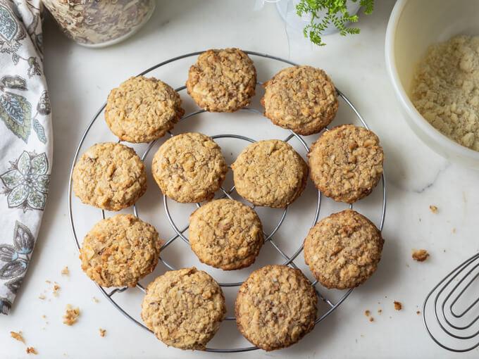 """Keto Oatmeal Cookies  Sugar Free """"Oatmeal Cookies"""" Low Carb Keto"""