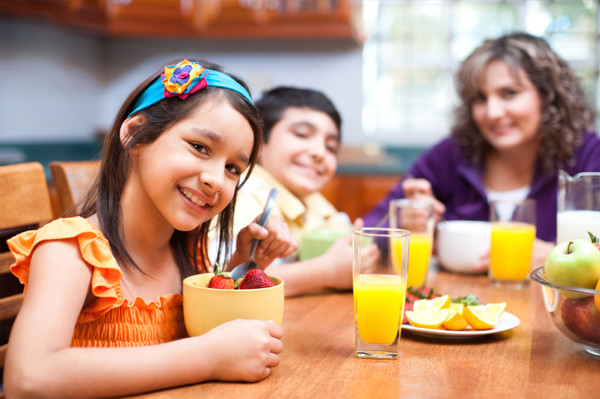 Kids Eating Breakfast  Breakfast ideas your kids will ask for