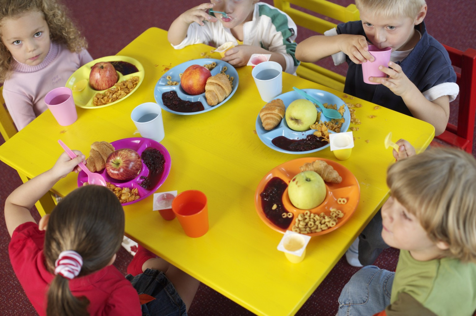 Kids Eating Breakfast  Why You Should Support School Breakfast Even If Your Kid