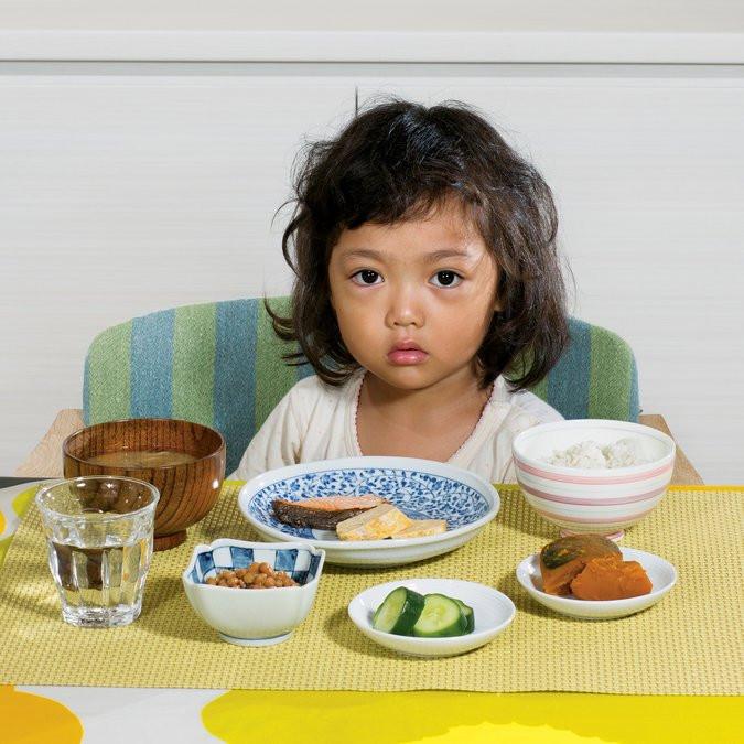 Kids Eating Breakfast  The Breakfast Foods That Children Eat Around the World