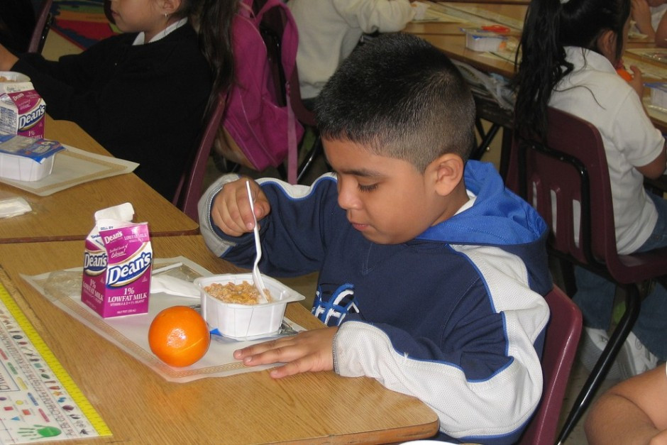 Kids Eating Breakfast  Rise In Child Poverty Highlights Need For Free Breakfasts