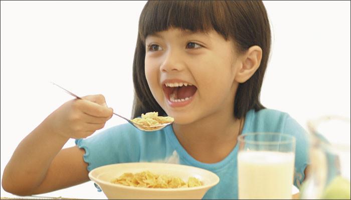 Kids Eating Breakfast  Top five healthy breakfast ideas for kids