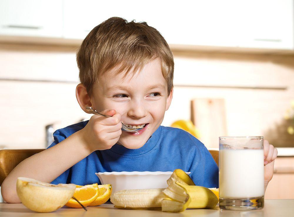 Kids Eating Breakfast  When Kids Eat a Healthy Breakfast They Do Better in School