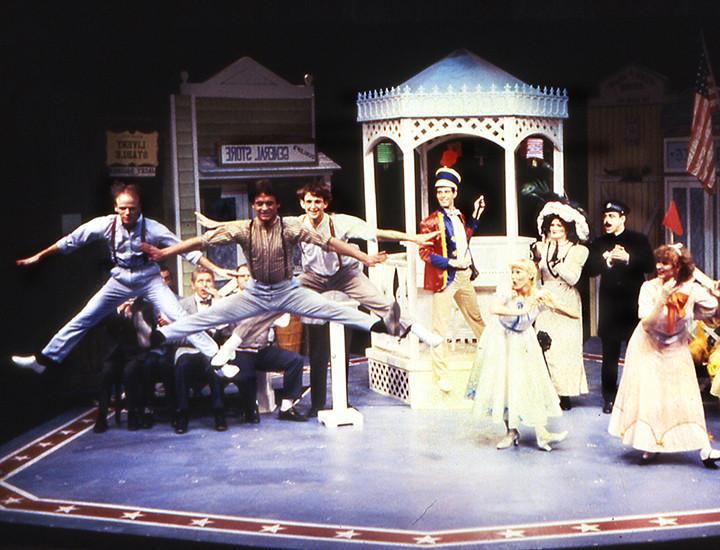 La Comedia Dinner Theatre  La edia Dinner Theatre
