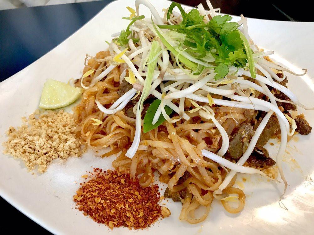 Lahn Pad Thai  Lahn Pad Thai 122 s & 149 Reviews Thai 2101
