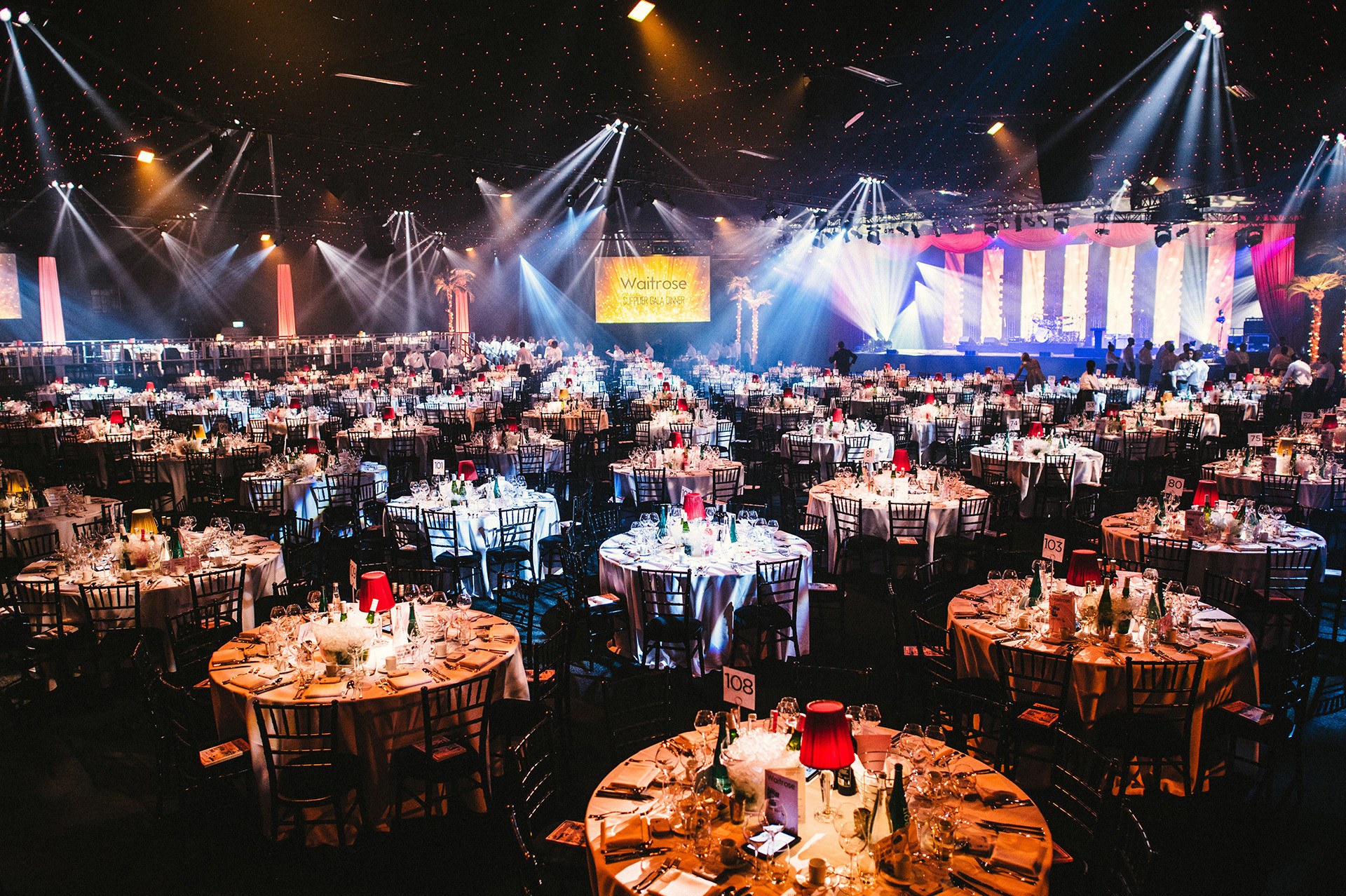Las Vegas Dinner Shows  BRINGING THE BRIGHT LIGHTS OF VEGAS TO BATTERSEA FOR