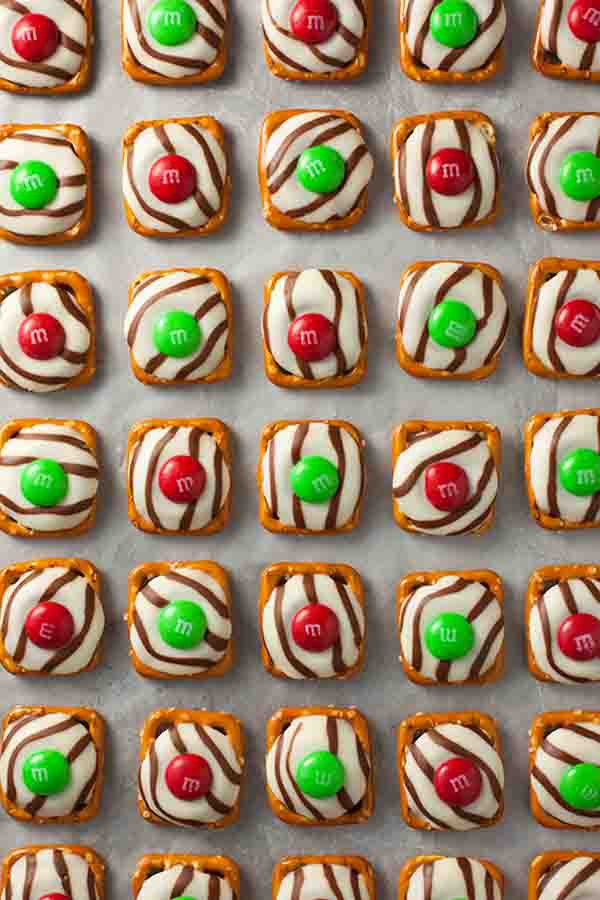 List Of Traditional Christmas Desserts  25 Easy Christmas Desserts for a Sweeter Christmas