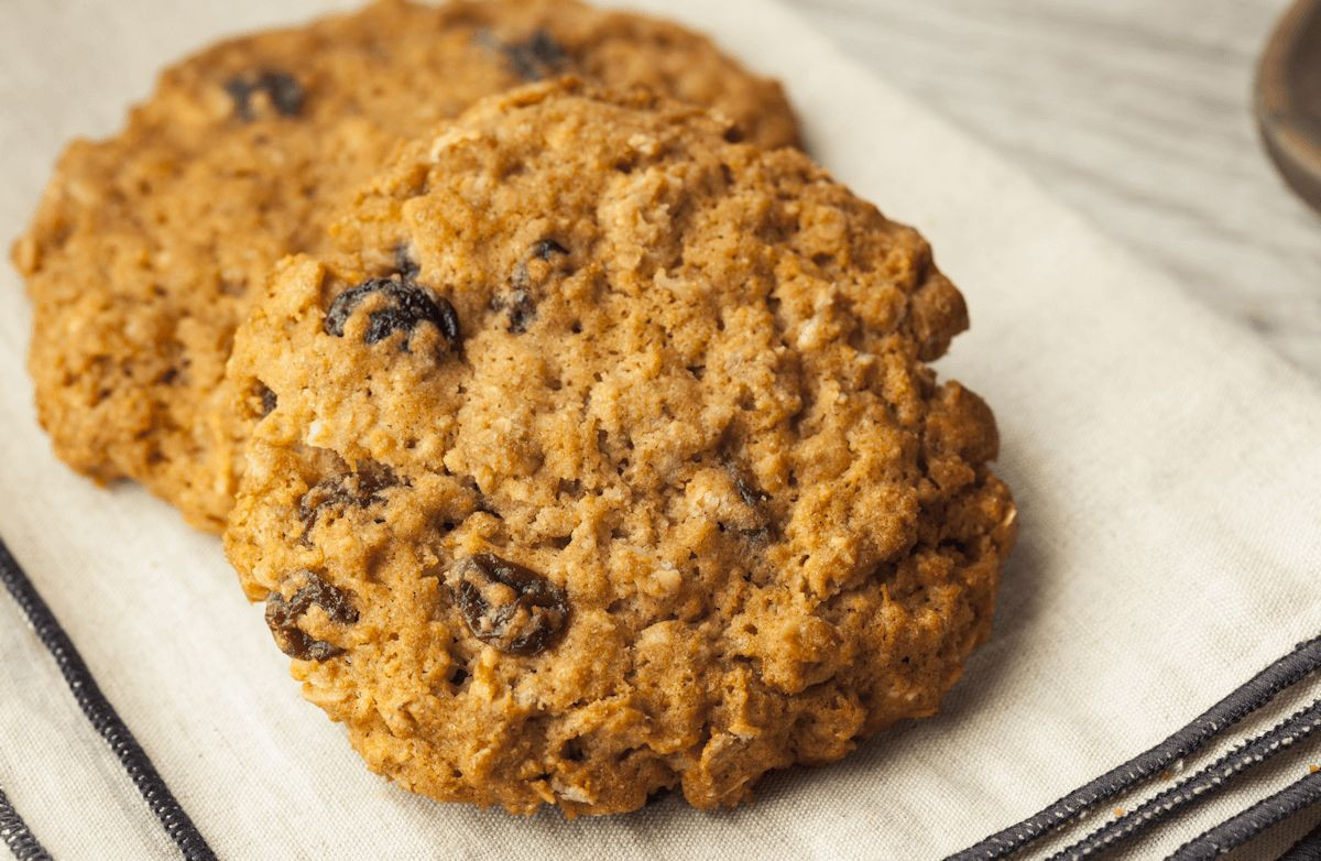 Low Calorie Oatmeal Cookies  Very Low Fat Low Calorie Oatmeal Raisin Cookies Recipe