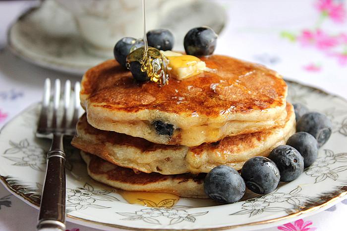 Low Calorie Pancakes  Yogurt Blueberry Pancake Soufflé Low Calorie Munaty
