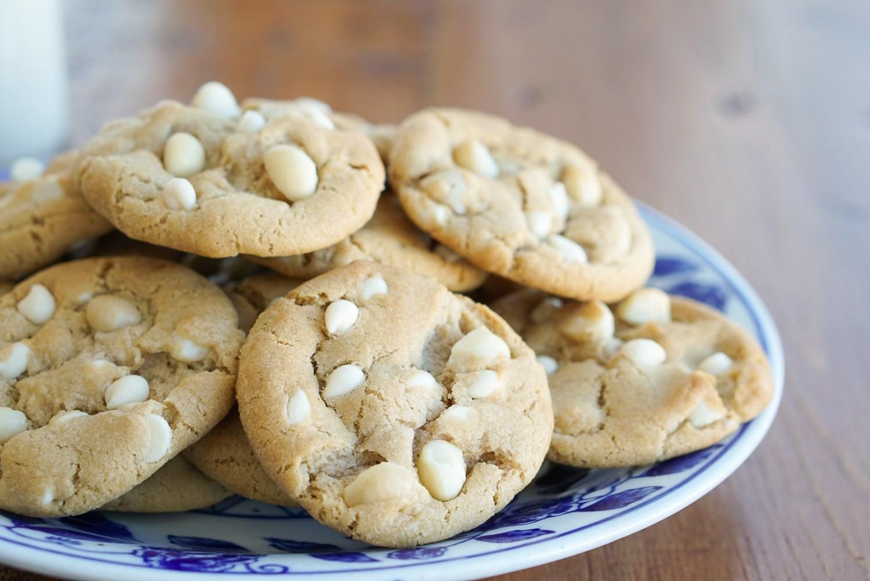 Macadamia Nut Cookies  White Chocolate Macadamia Nut Cookies Who Needs Salad