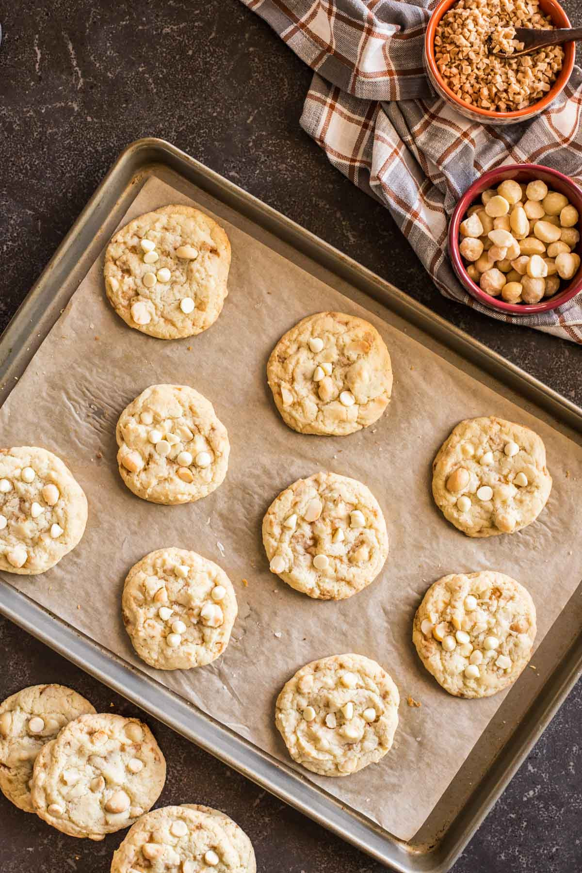 Macadamia Nut Cookies  Buttery Toffee White Chocolate Macadamia Nut Cookies