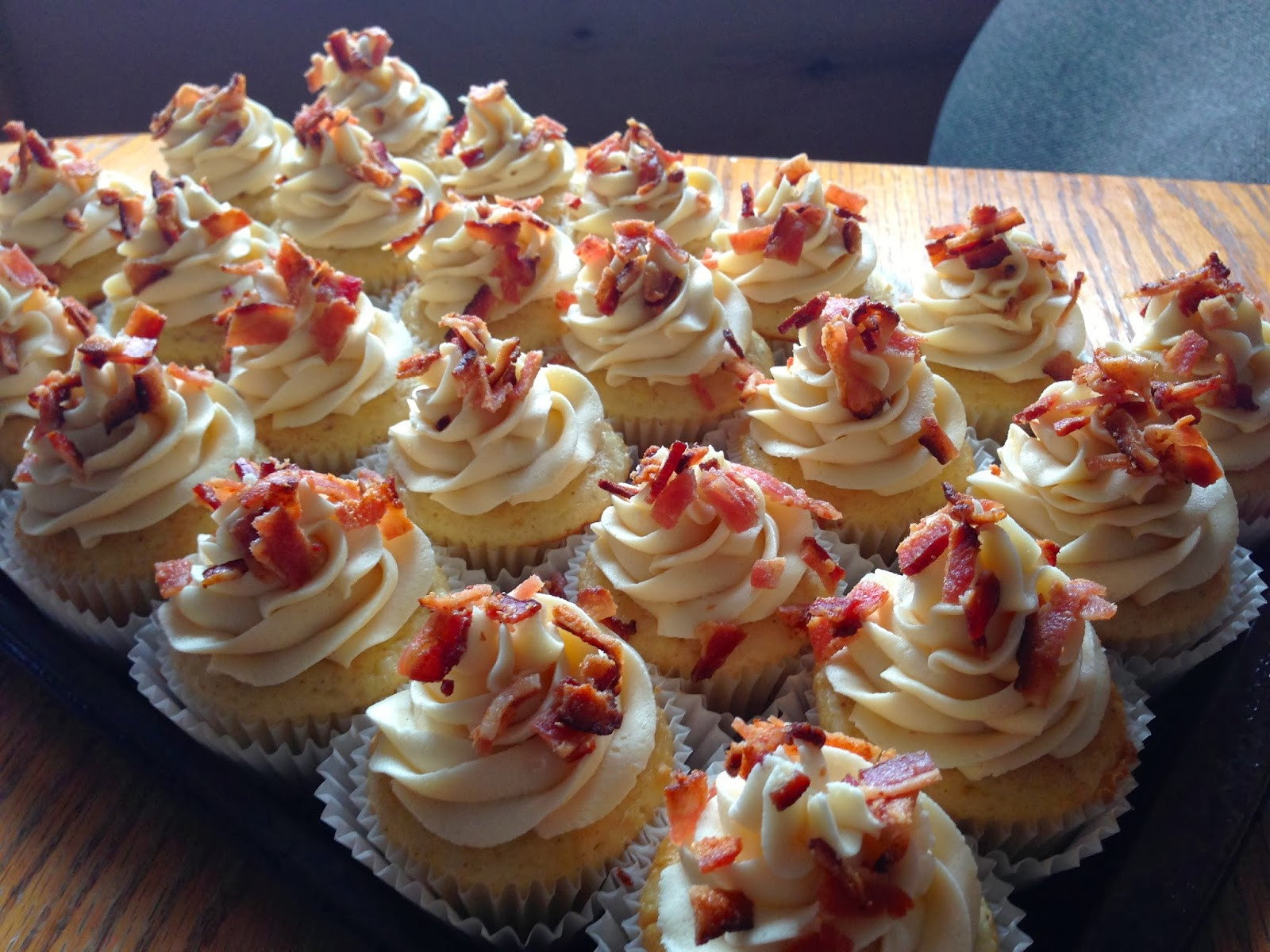 Maple Bacon Cupcakes  It isn t a bacon cake or a bacon buttercream It s