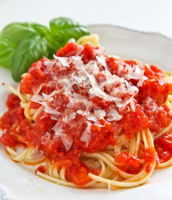 Marcella Hazan Tomato Sauce  Marcella Hazan s Tomato Sauce with ion and Butter