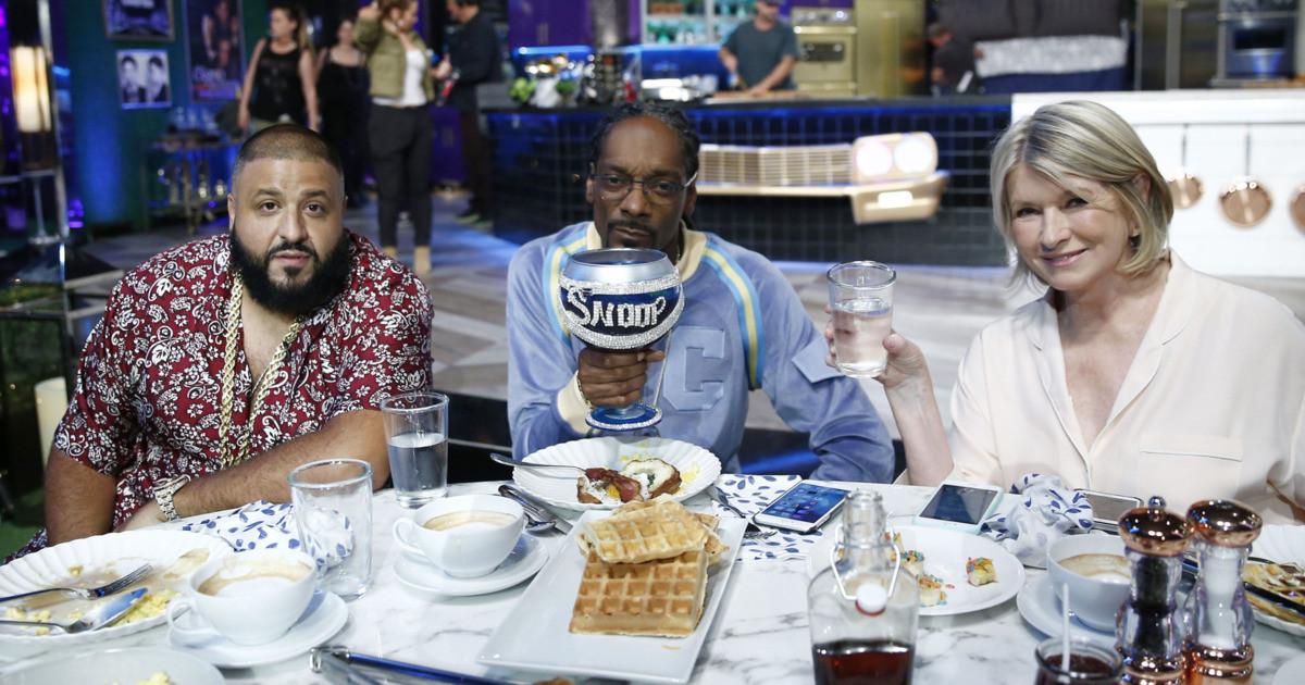 Martha & Snoop'S Potluck Dinner Party  Martha & Snoop s Potluck Dinner Party Recap Bacon Love
