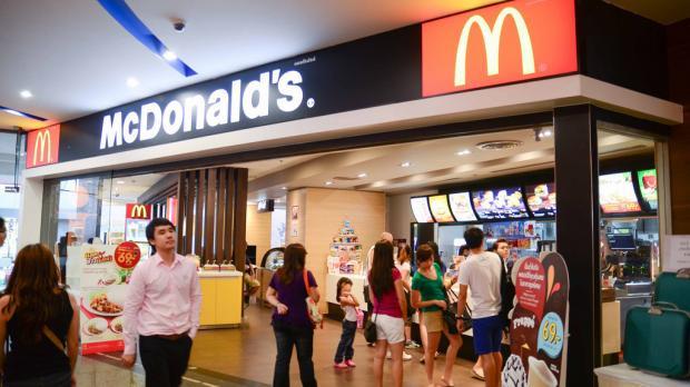 Mcdonald'S Dessert Menu  Il mange au McDonald s dans 34 pays différents et dévoile