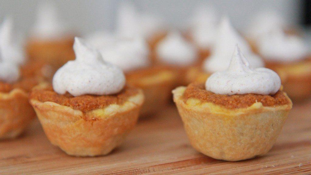 Mini Pumpkin Pie  Easy Mini Pumpkin Pie Bites Recipe
