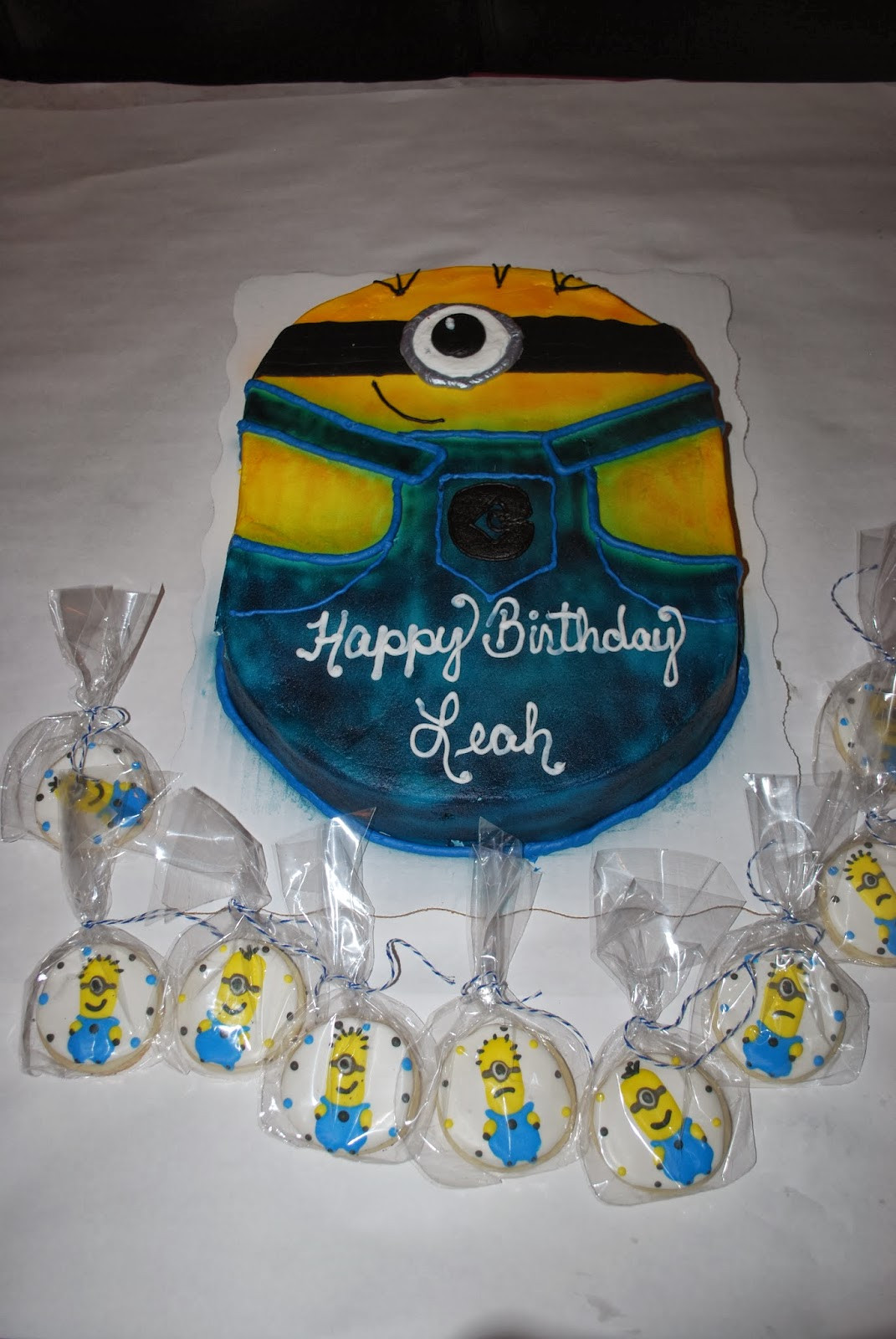 Minions Birthday Cake Walmart  The gallery for Walmart Minions Birthday Cake