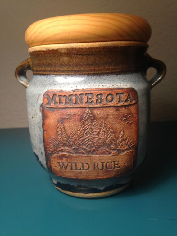 Minnesota Wild Rice  Minnesota Wild Rice pottery jar with lid