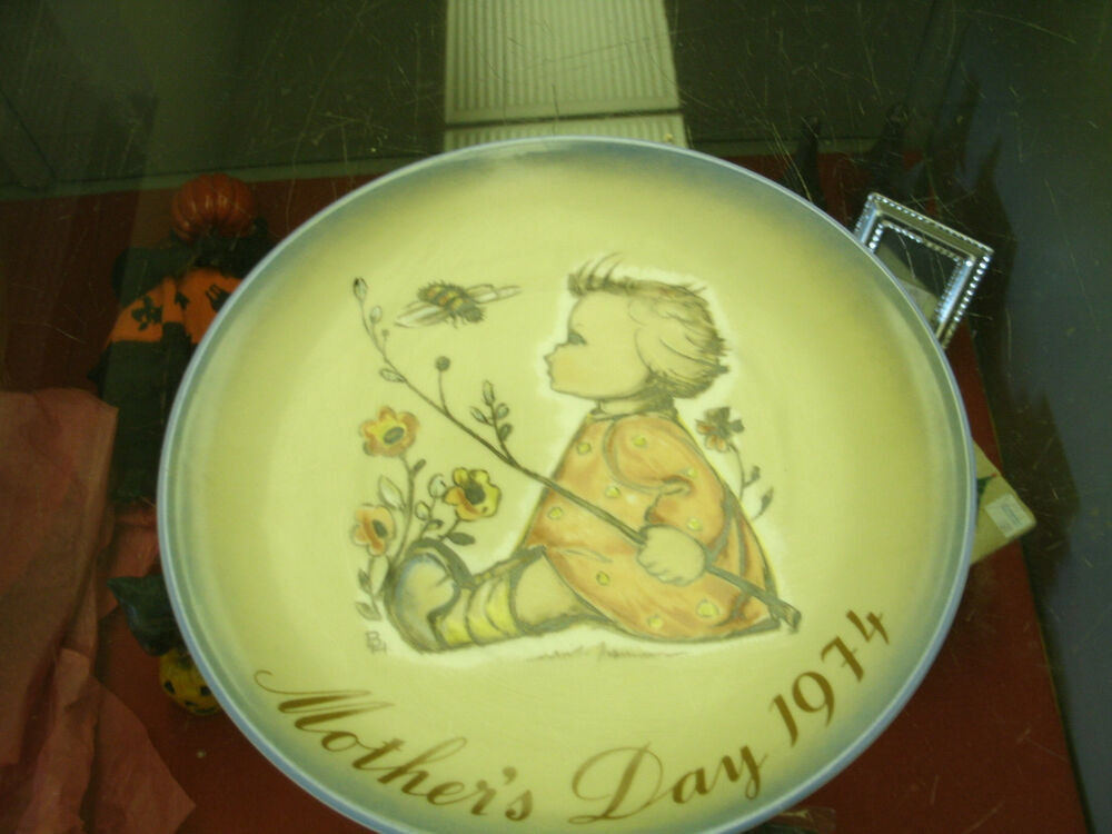 Mother'S Day Dinner  Hummel Mother s Day Plate 1974 The Bumblebee