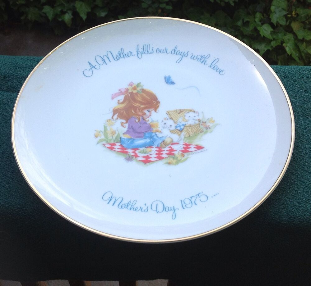 Mother'S Day Dinner  VINTAGE COLLECTOR MEMORATIVE GIGI PLATE FROM MOTHER S