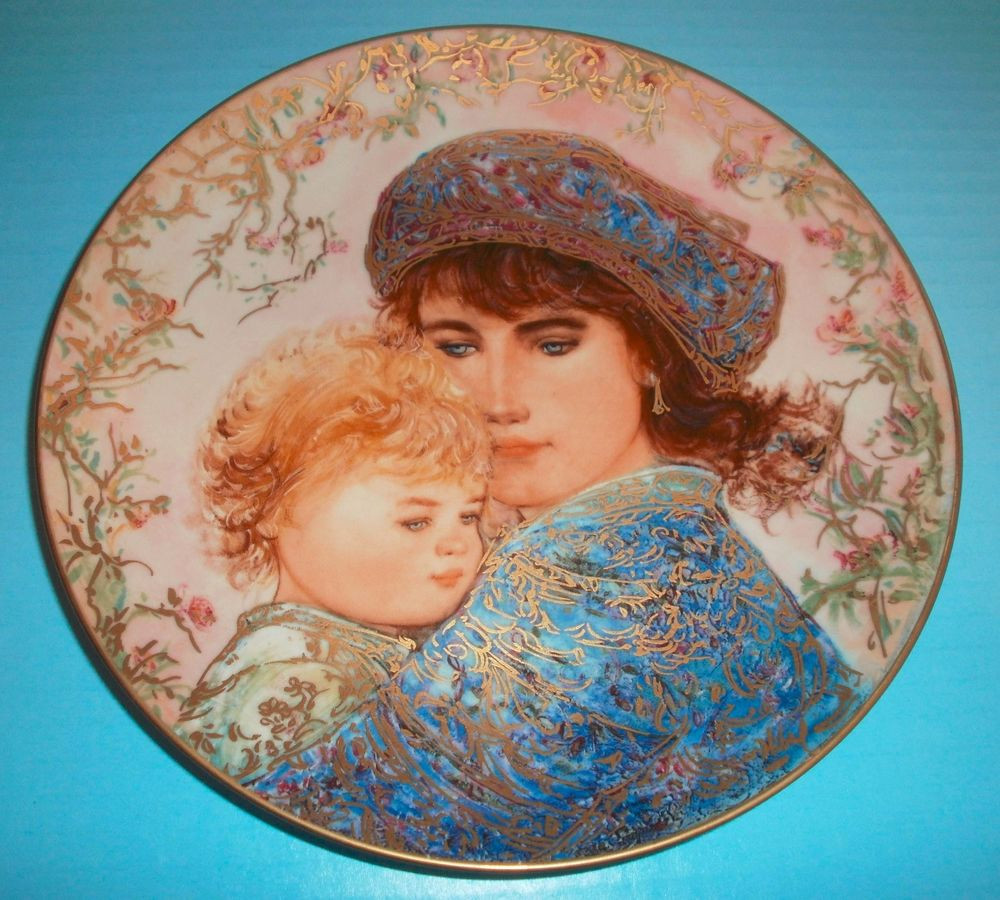 Mother'S Day Dinner  Edna Hibel 1987 Mother s Day Plate Knowles Fine China 22K