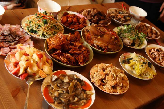 New Years Dinner Ideas  Tradita që i ndjek mbarë bota 10 pjatat fatsjellëse të