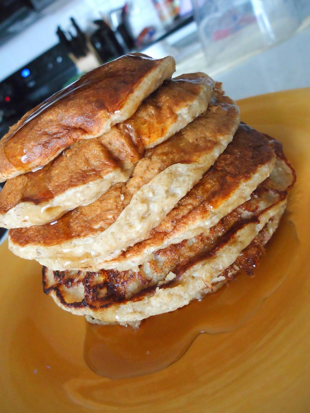 Oatmeal Banana Pancakes  Foo & Fabulous Cinnamon Oatmeal Banana Pancakes
