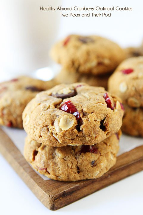 Oatmeal Cranberry Cookies  Healthy Almond Cranberry Oatmeal Cookies