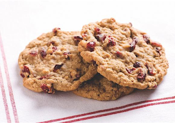 Oatmeal Cranberry Cookies  easy oatmeal cranberry cookies