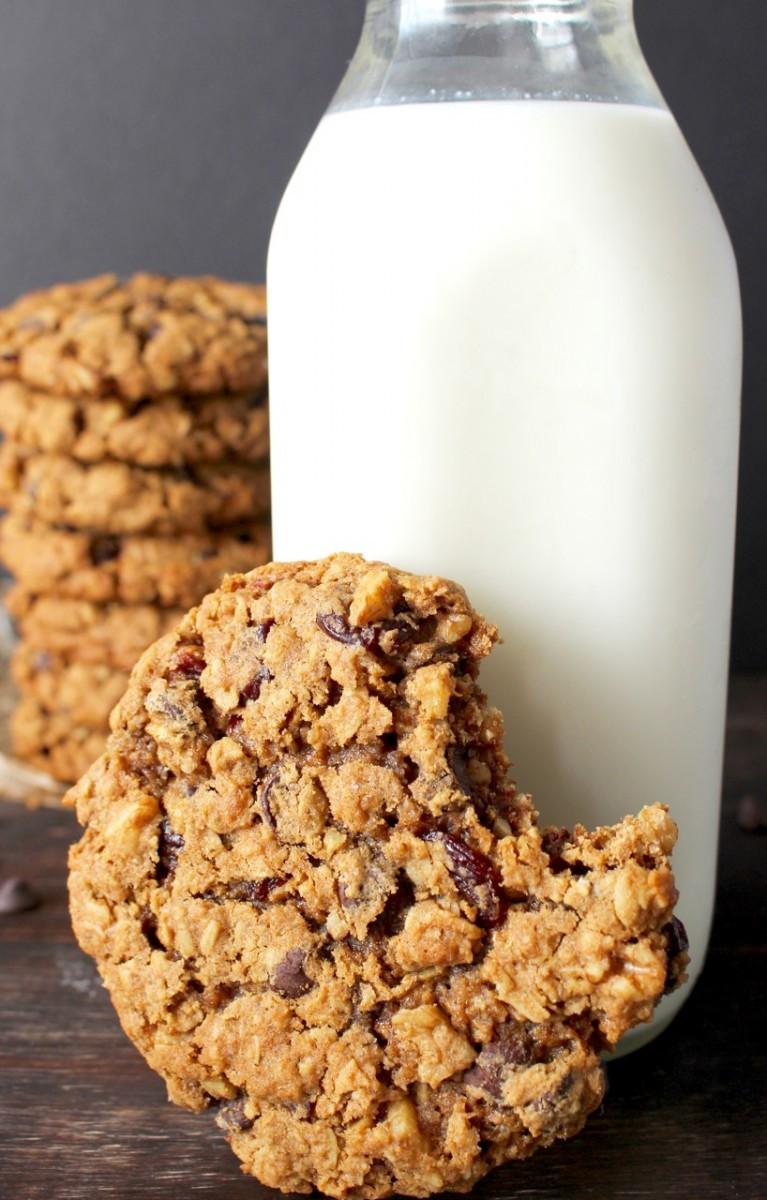 Oatmeal Molassas Cookies  Big and Chewy Oatmeal Cookies Golden Barrel